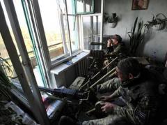 С начала суток боевики 18 раз обстреляли позиции украинских военных в зоне АТО (ВИДЕО)
