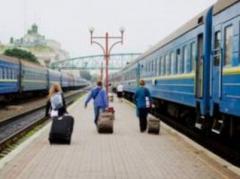 """""""Укрзалiзниця"""" назначила 25 дополнительных поездов на праздники"""