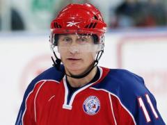 Путин снова играл в хоккей и снова забил шайбу (ВИДЕО)