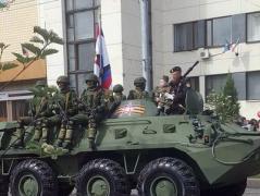 Боевик Моторола на параде в Донецке прокатил годовалую дочь на бронетранспортере (ФОТО)