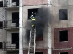 """В Мирнограде (Димитрове) спасали людей из """"взорвавшейся"""" многоэтажки"""