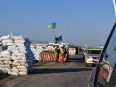 Вчера КПВВ на Донбассе пропустили около 25 тысяч пешеходов и более 4 тысяч автомобилей