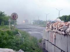 В сети появилось  видео боя в районе Ясиноватского блокпоста (ВИДЕО, 18+)