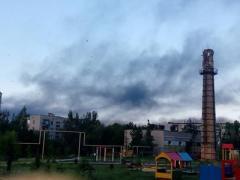 Под обстрел попал нефтеперерабатывающий завод в Докучаевске