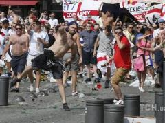 Кривавий футбол: англійський фанат перебуває при смерті