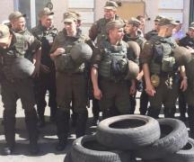 В Киеве - волнения. В дело пошли добробаты