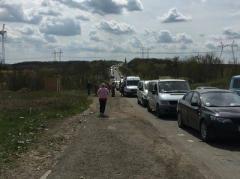 Что творится на донбасских пунктах пропуска: информация от Донбасс SOS, пограничников и тех, кто в очередях