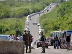 Боевики пытаются заблокировать работу пунктов пропуска по всей линии разграничения на Донбассе