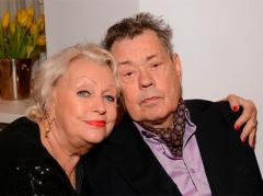 Николай Караченцов с женой уезжают в Болгарию