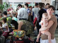 Министры издеваются над переселенцами и соцработниками