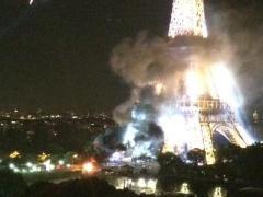 Во Франции День взятия Бастилии ознаменовался терактом и пожаром на Эйфелевой башне (ВИДЕО)