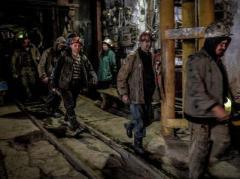 """""""Власти ДНР"""" стараются задобрить шахтеров: им начали частями выплачивать зарплату"""