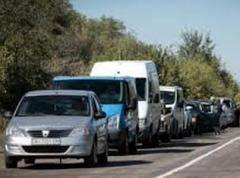 КПВВ на линии разграничения на Донбассе пересекли около 5 тысяч машин и 30 тысяч пешеходов