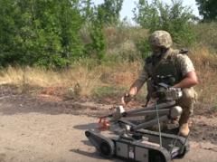 Как украинские саперы очищают Донбасс от «смертельных подарков» (ВИДЕО)