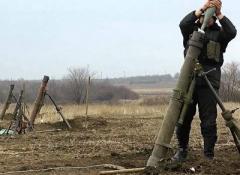 Волонтери: на Донбасі - 5 загиблих, ворог гатить з мінометів та арти