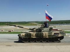 На админгранице с Крымом оккупанты сосредоточили до 30 танков, 70 ББМ, большое количество другой техники