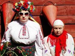 """На Сорочинской ярмарке злоумышленники напали на """"маму"""" Верки Сердючки"""
