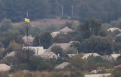 ВСУ вывесили флаг Украины на подконтрольной боевикам территории, который те не могут снять (ВИДЕО)
