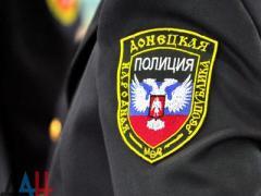 """Будущие """"милиционеры"""" сегодня присягали """"народу ДНР"""""""