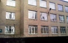 Школа в Марьинке вновь попала под обстрел