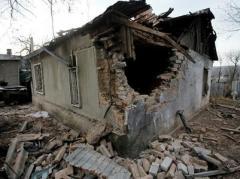 Боевики обстреляли Попасную: повреждены жилые дома, линия электропередач