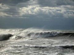 На Маріуполь суне шторм