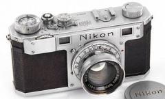 Фотоаппарат Nikon продали с аукциона почти за $0,5 млн