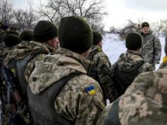 Порошенко  на передовой поздравил военных с Днем ВСУ (ВИДЕО)