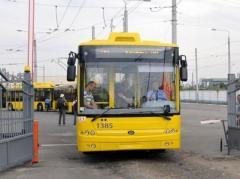 В Киеве 30 декабря запустят три ночных троллейбусных маршрута и один автобусный