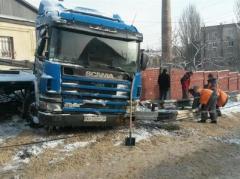 В Мариуполе из-за снега и неубранных дорог произошло серьезное ДТП (ФОТО)