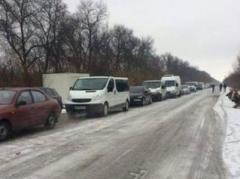 Со взятками и продажей мест в очередях на КПВВ на Донбассе нужно бороться - Геращенко
