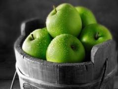 Зеленые яблоки помогают бороться с преждевременным старением и не только