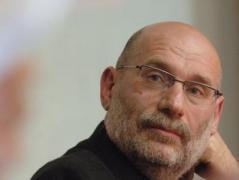 Официальная Россия стала восприниматься как дестабилизирующий фактор и потенциальная угроза - российский писатель