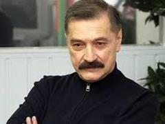 Умер известный белорусский певец Александр Тиханович