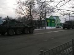 В оккупированный Симферополь вошла колонна военной техники