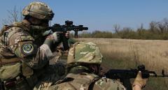 Українські військові впевнено тримають свої позиції біля Авдіївки – Бутусов