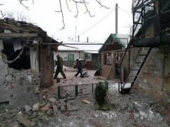 После ночного обстрела пострадала старая часть Авдеевки (ФОТО)