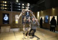 В Лондоне открылась выставка, посвященная эволюции роботов (ВИДЕО)