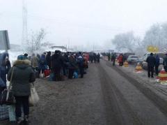 Кто может пересекать блокпосты Донбасса вне очереди