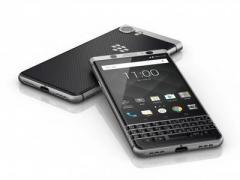 "BlackBerry представила новый ""кнопочный"" смартфон KEYone"
