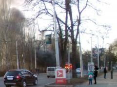 В центре Донецка сгорела маршрутка (ФОТО)