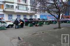 В Одессе нашли труп убитого мужчины в мусорном контейнере
