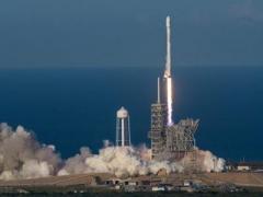 SpaceX впервые запустила в космос б/у ракету (ВИДЕО)