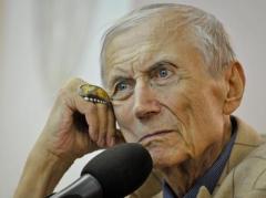 Известный поэт Евгений Евтушенко скончался в США на 85-м году жизни