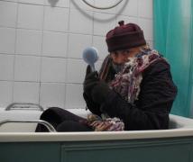 Мариупольцы замерзли, хотят отопления и горячей воды