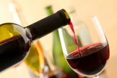 Медики: вино активирует мозг лучше, чем математические задачи