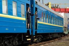 """""""Укрзализныця"""" запустит на майские праздники 23 дополнительных поезда"""