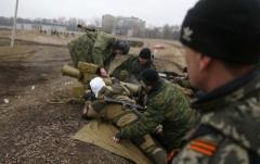 Боевики с начала суток обстреливают из 120- и 82-мм минометов позиции ВСУ в Новозвановке, Крымском и Луганском, - штаб