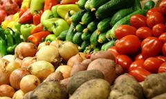 «Золотой борщ»: в Украине рекордно подорожали овощи