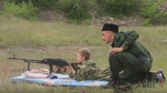 """Террористы так называемой """"ЛНР"""" учат детей убивать. ВИДЕО"""